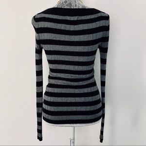 Express Sweaters - EXPRESS Stripped V-neck Long Sleeve Sweater Top